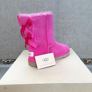 Girls Youth UGGs pink size 4